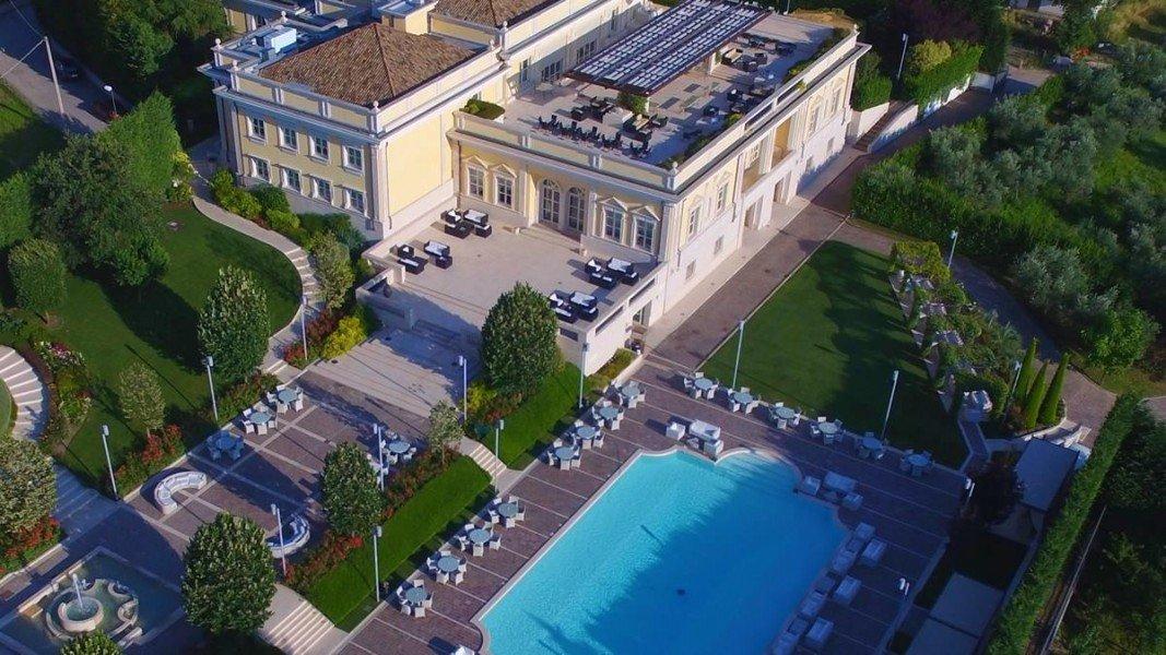 Villa Orsini Historic Hotel Passo Di Mirabella