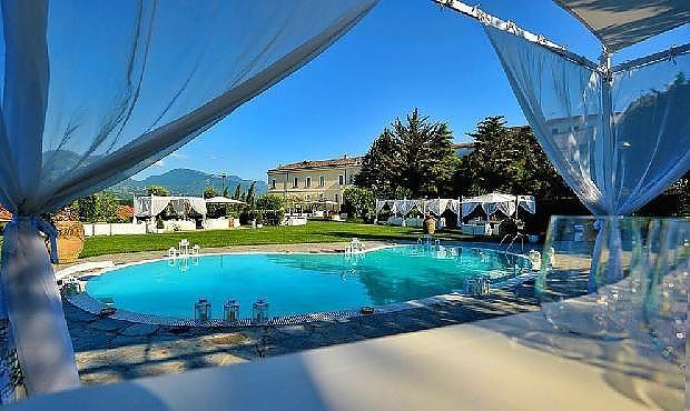 Matrimoni benevento location per matrimoni e ricevimenti for Addobbi piscina per matrimonio
