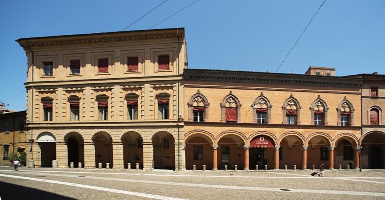 Palazzi storici bologna for Siti architettura interni