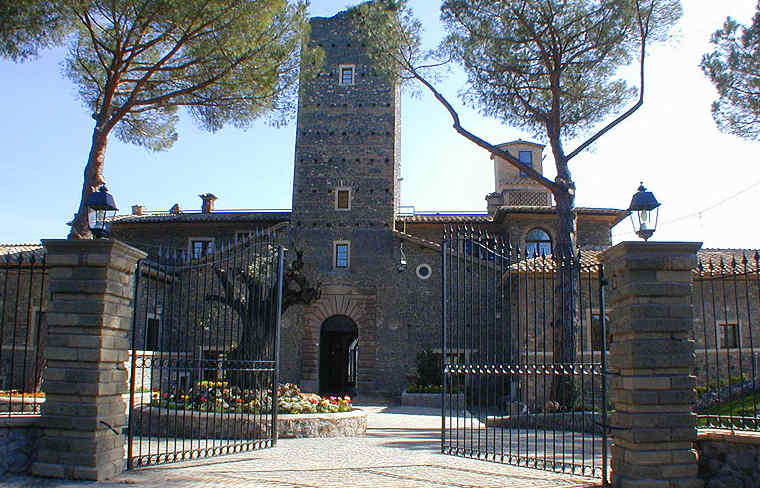 CASTELLO DELLA CASTELLUCCIA - Castle Roma Lazio | Accommodations