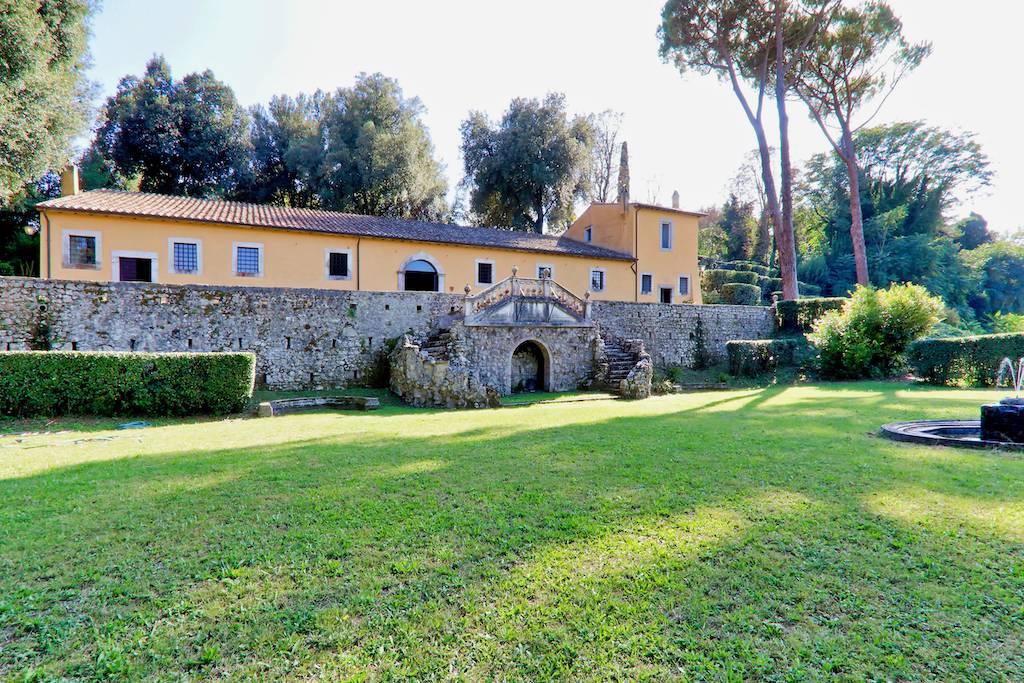 TENUTA IL TINELLO - Residenze d'Epoca