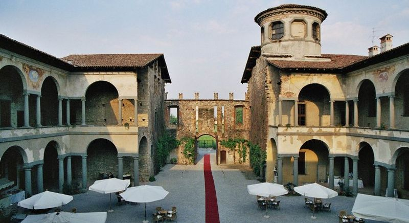 Castello di cavernago castello cavernago bergamo for Castello come piani di casa