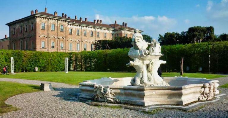 Residenze d 39 epoca dimore storiche ville castelli e for Piscina lainate