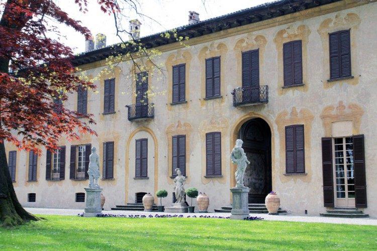 villa gaia gandini luxury villa robecco sul naviglio