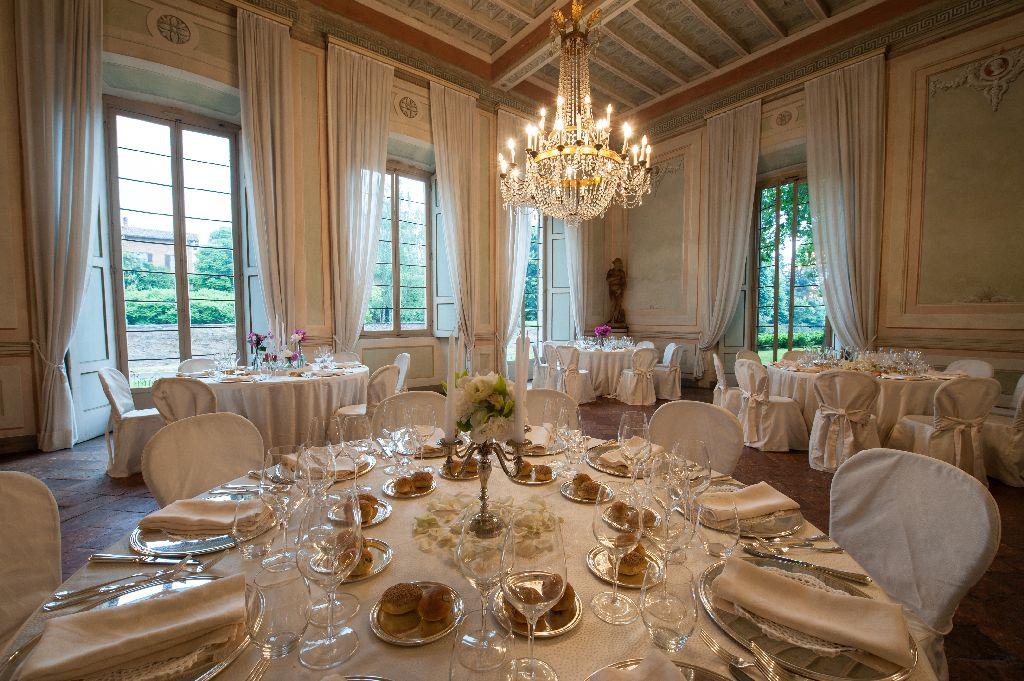 Villa gaia gandini luxury villa robecco sul naviglio for Villas gaia