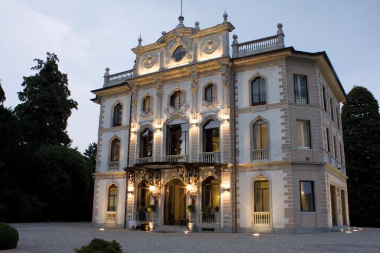 Varano Borghi Villa Liberty Vendita