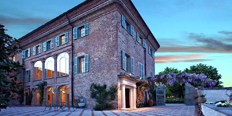 Relais sant 39 uffizio dimora storica cioccaro penango for Design hotel dolomiten italien