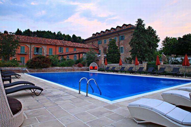 RELAIS SANT'UFFIZIO - Historic hotel Cioccaro, Penango (Asti) Piedmont  Meeting and conference