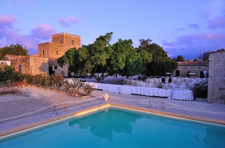 Torre garbonogara residenza d 39 epoca buonfornello termini imerese palermo sicilia - Piscina termini imerese ...