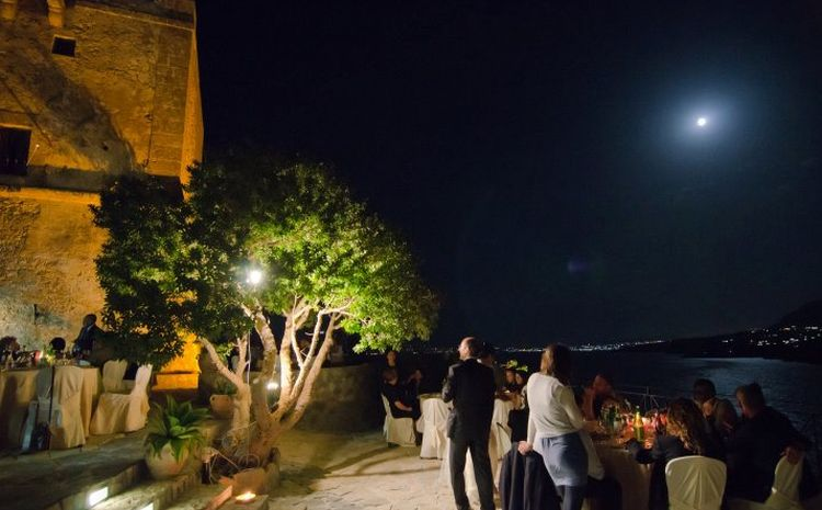 Matrimonio Zingaro : Torre di scopello residenza d epoca