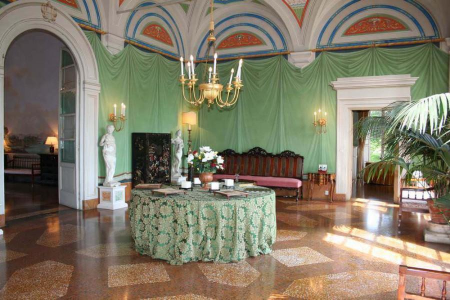 Villa grabau dimora storica san pancrazio lucca toscana for Case antiche interni