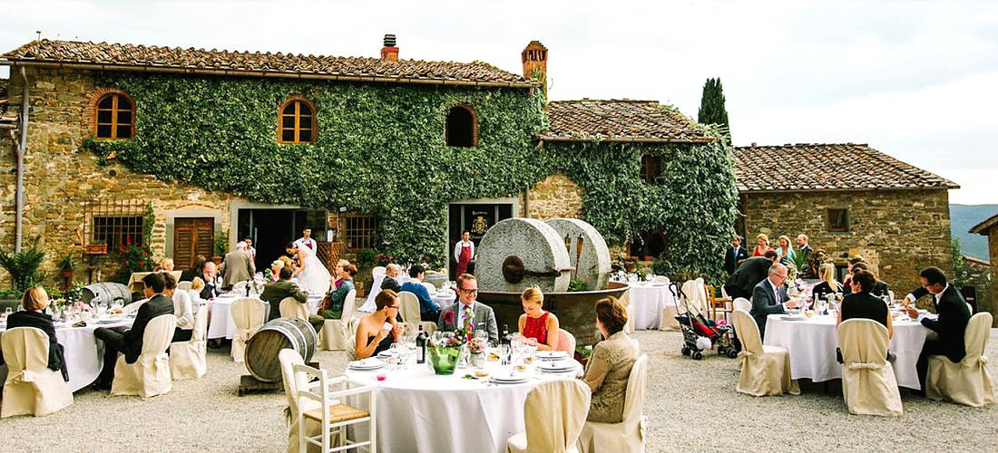 Matrimonio In Un Borgo Toscana : Borgo castelvecchi medievale radda