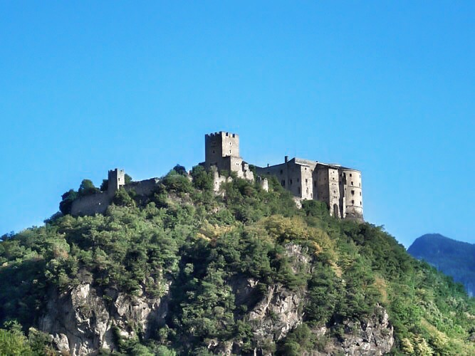 castelli vicino trento